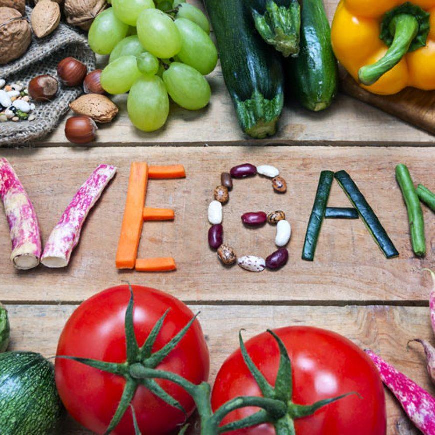 I vegani rischiano carenze alimentari?